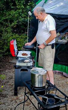 TX-QSO-KE5KOF Cooking Breakfast.jpg