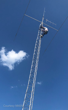 Edited-2021-07-08 16-44-420467 Darrell Removing Antennas.jpg