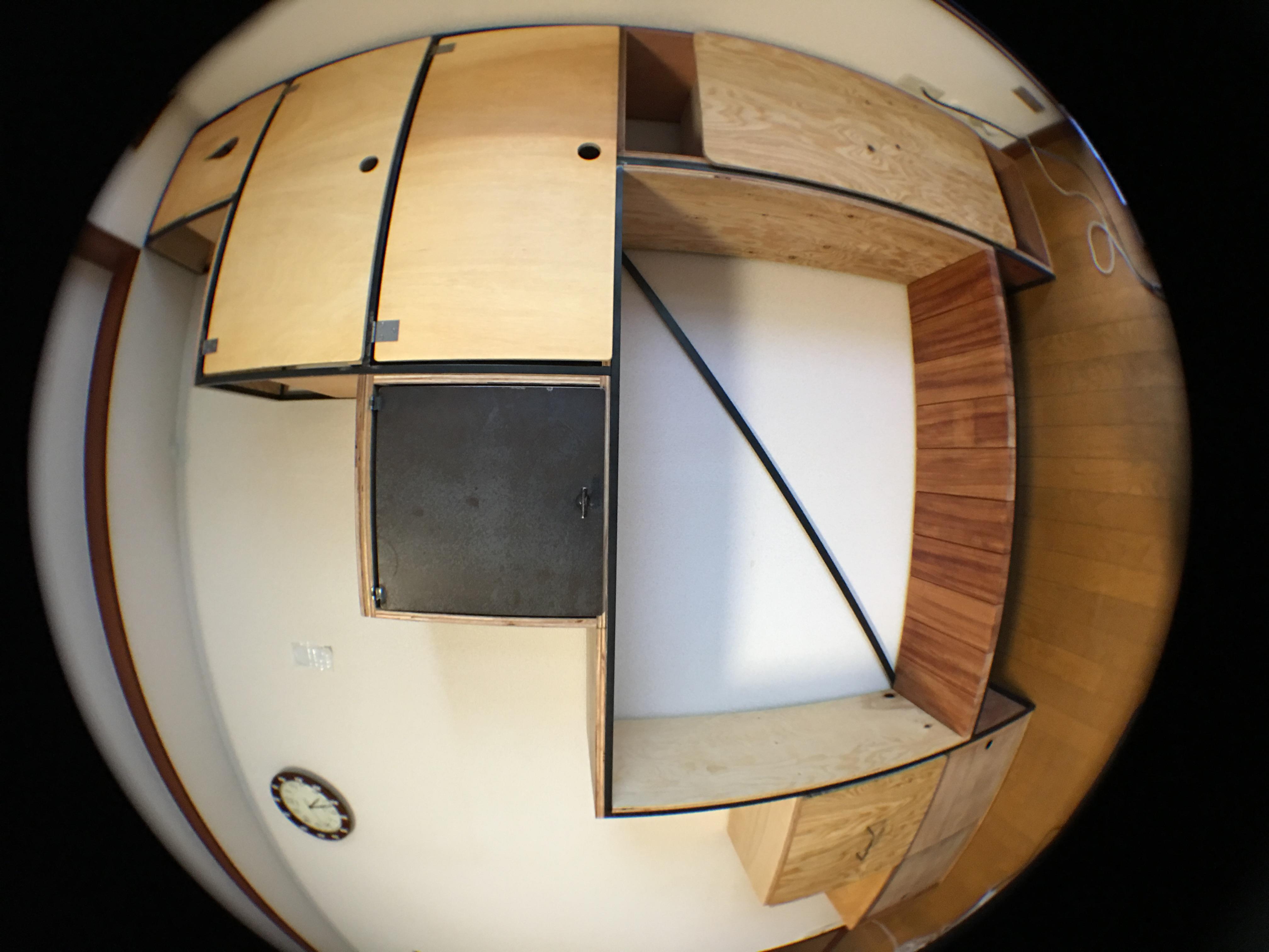 A邸 階段箪笥