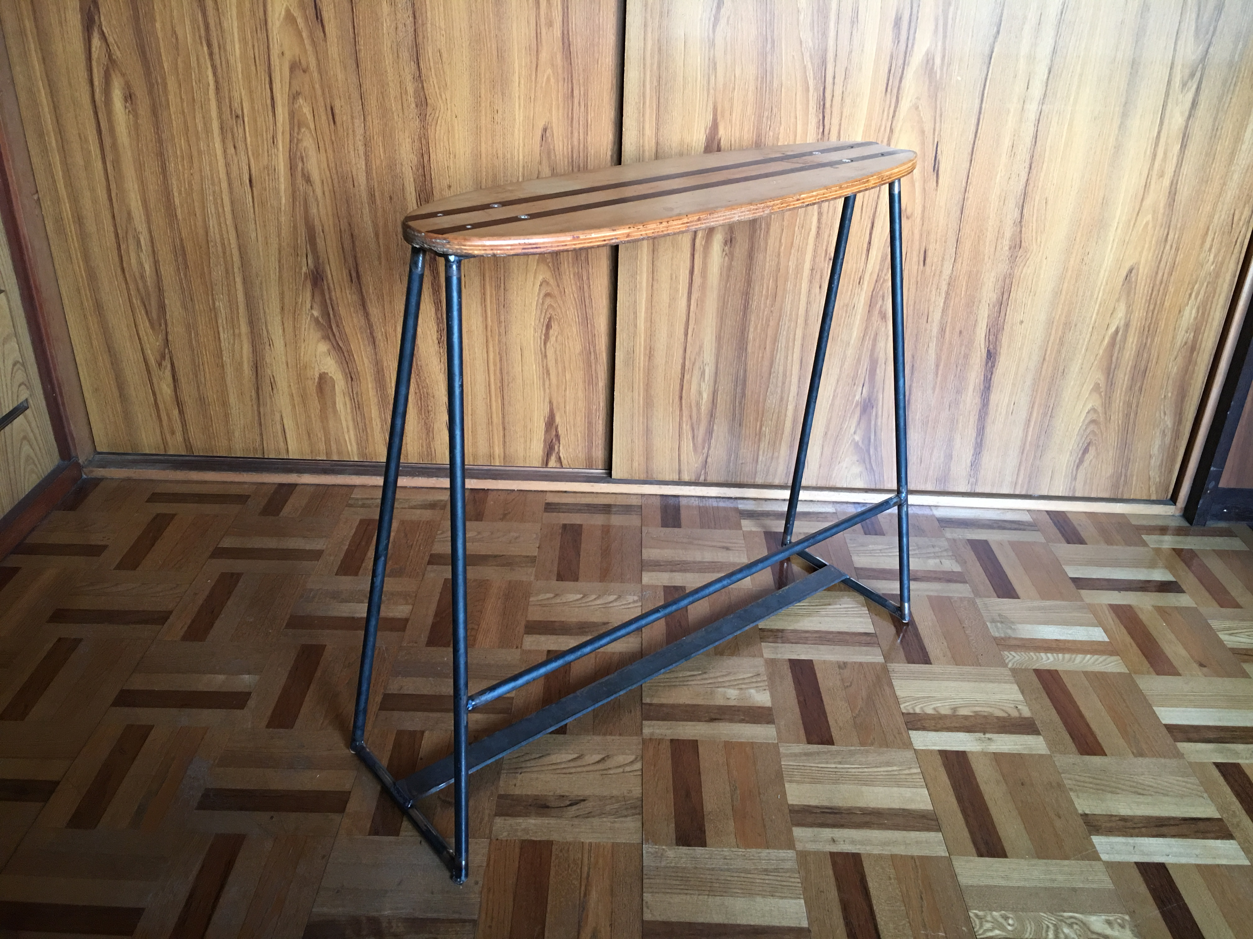 腰掛け椅子