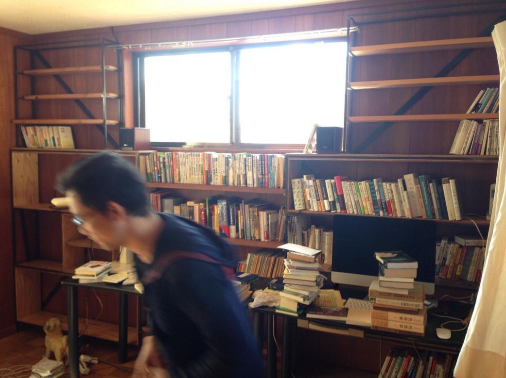 A邸 造り付け本棚