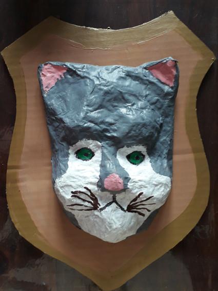 chat papier maché
