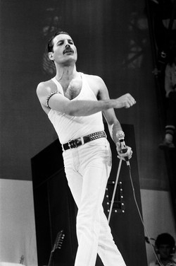 1_Freddie-Mercury