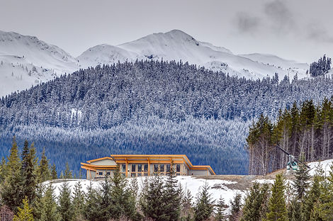 Northern Escape Mountain Lodge.jpg