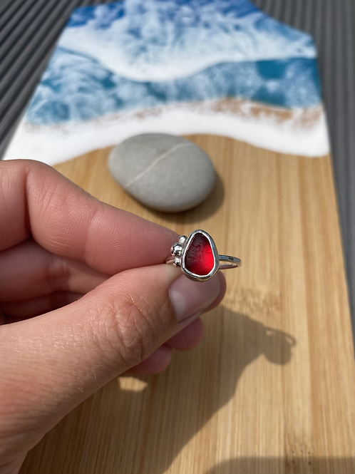 Red bubble set seaglass ring size M