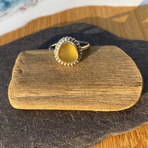 Yellow vintage set seaglass and silver ring