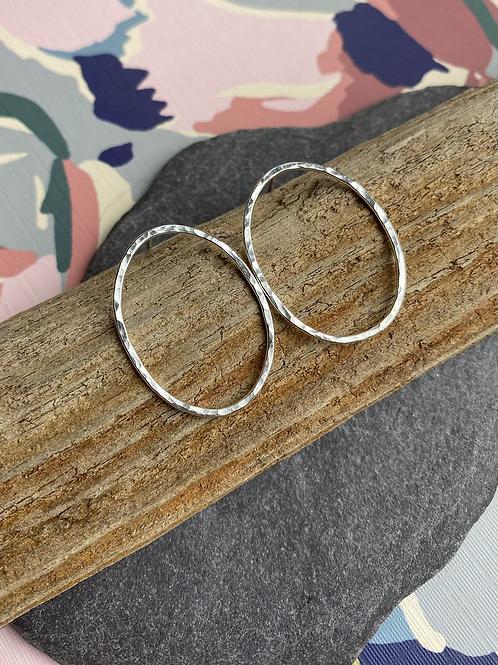 Oval large stud earrings