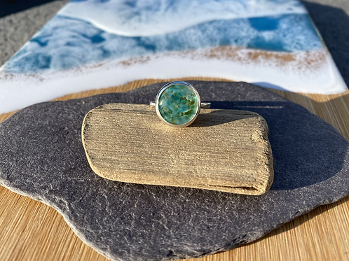 Glass cabochon and silver ring