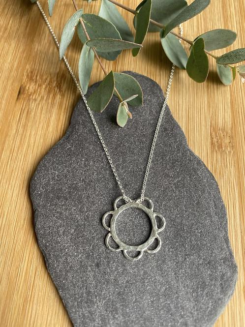 Doddle pattern necklace