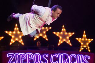 Le Cirque Zippo présente : Carnival !