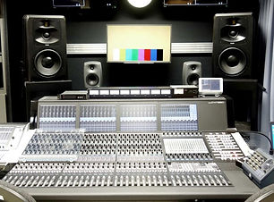 adam-audio-s5v-studio-monitors-t-saitama