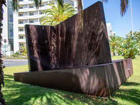Câmara do Funchal vai remover escultura junto ao Fórum Madeira