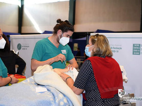 """Não há autoagendamento de vacinas na Madeira; Governo contra """"mensagens falsas"""""""