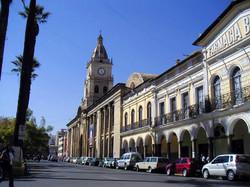 calles-en-plaza-principal-en-la-ciudad-de-cochabamba