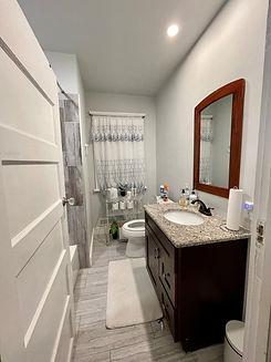 B and B house Bathroom 1.jpg