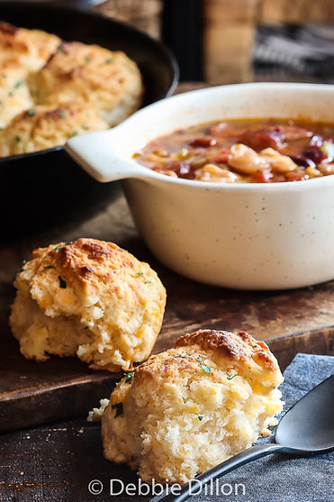 cheesy garlic biscuits 3.jpg