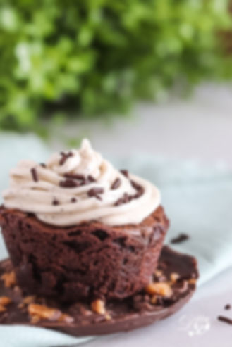 Brownie cups with espresso buttercream w