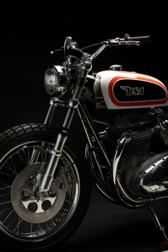 BSA Trackmaster factory replica 1971 street legal 750cc / 65cv / 165kg