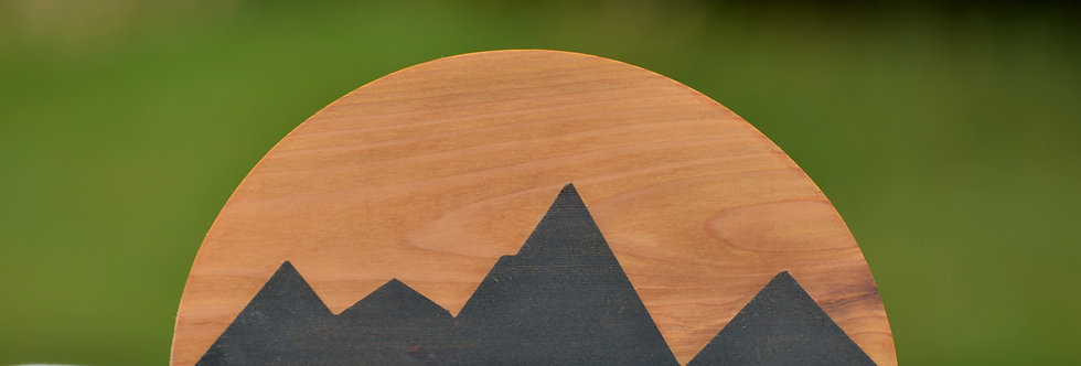 Half-moon Geometric Mountainscape (I)