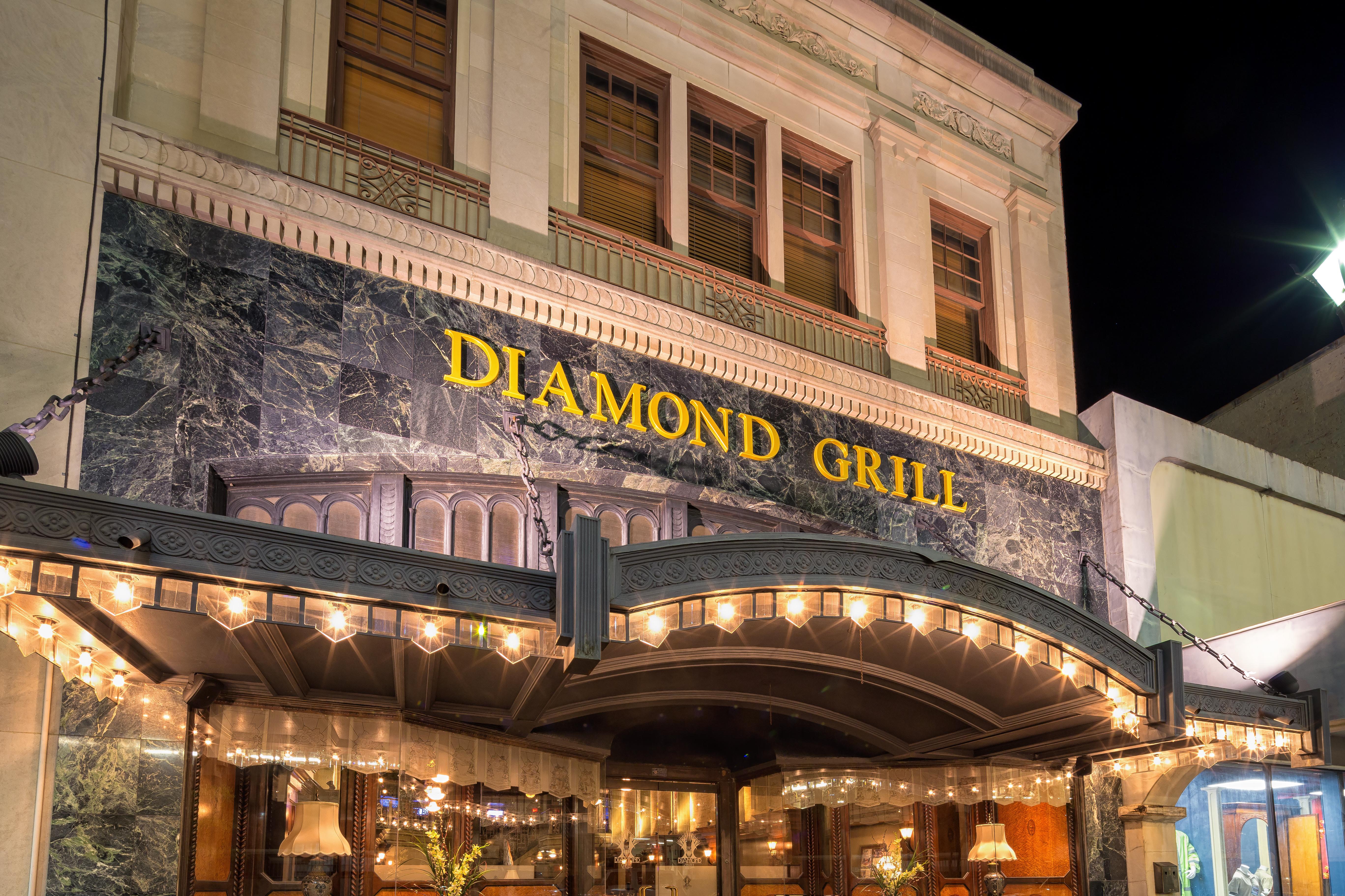 Diamond Grill 15356