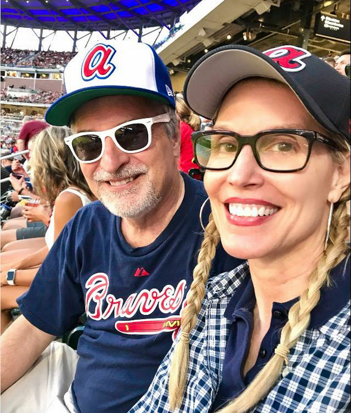 Couple at Atlanta Braves baseball game