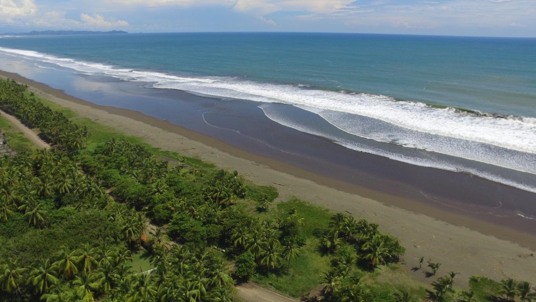 Corts Rica Beachfront Property 107502.JPG