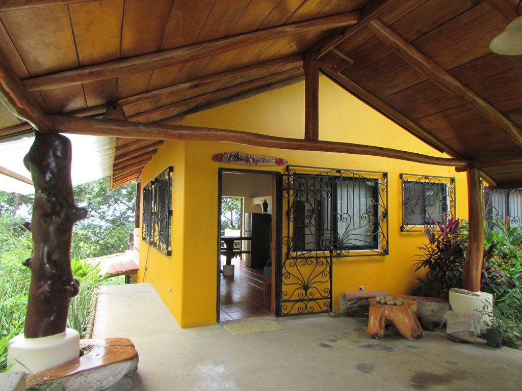 Main Floor, Hermosa Costa Rica