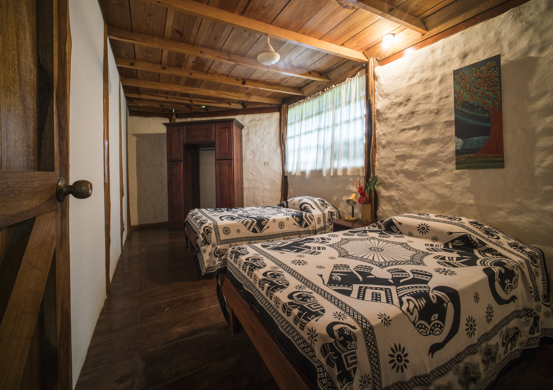 2 Bedroom, 1 bath House
