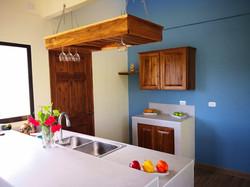 E kitchen.jpg