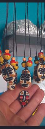 colliers tamouls.jpg
