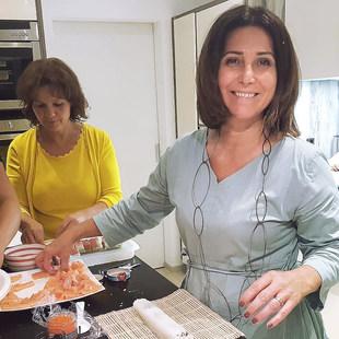 señora_sushi-making3.jpg