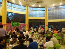 بمشاركة حوالي ٣٠٠ طالب وطالبة .. النادي السعودي في تامبا ينضم وجبة الافطار لشهر رمضان المبارك