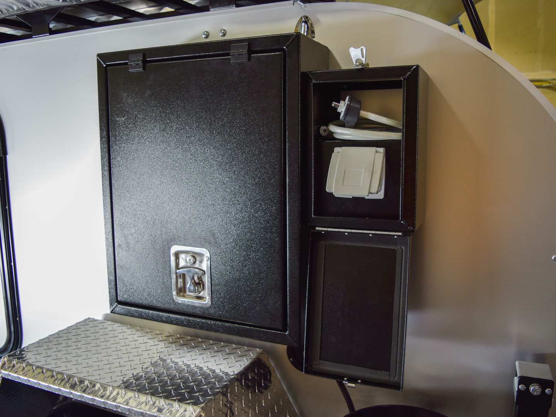 Shower Box 03.jpg
