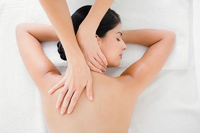 shutterstock massage dos détente.jpg