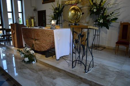 Prezbiterium Dąbrowica