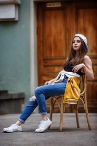 ulichnaya-fotografiya-devushki