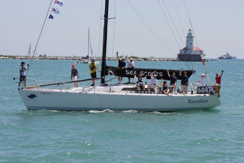 Nautilus Passes Navy Pier for Mac Race
