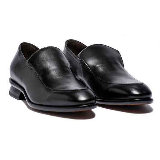 CHIP - SLIP ON DRESS SHOE IN BLACK SUPPLE CALF