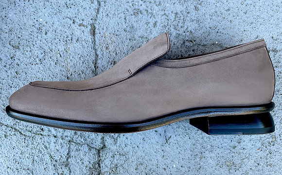 CHIP LOAFER IN TAUPE SUMMER SUEDE