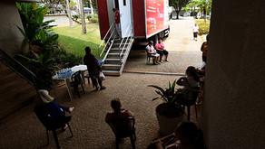 Carreta do Hospital do Amor realiza exames em frente à Biblioteca Zink