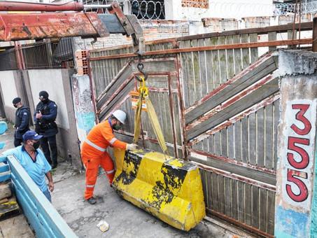Prefeitura de Santo André interdita ferro-velho na Vila Lutécia