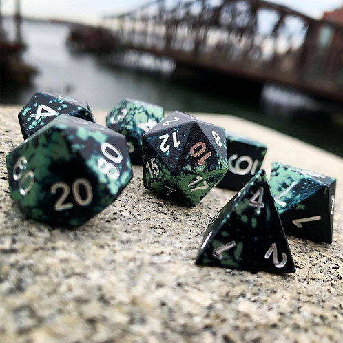TROLLS BLOOD - WONDROUS DICE - NORSE FONT - SET OF 7 RPG DICE BY NORSE FOUNDRY P
