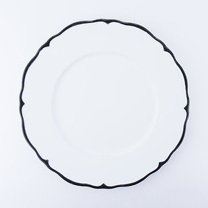 ALESSIA CHARGER - WHITE W/EBONY RIM