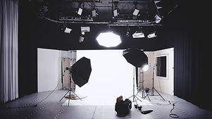 photo-studio-with-white-wooden-framed-wa
