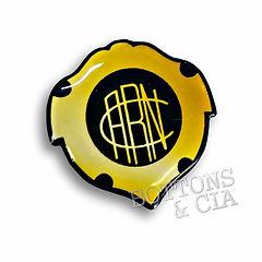 Pin Resinado Acrilico Personalizado Metalico.jpg