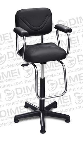 Silla infantil solar con brazos de plastico y doble linea curva en las costuras de asiento y respaldo