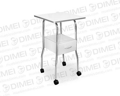 Mesa de 1 repisa superior de madera reforzada para aparatosy 1 cajón deslizable para el guardado de productos. Con estructura metálica de tubular cromado y llantas para su movilidad; fabricada contriplay de madera de pino importado de primera.