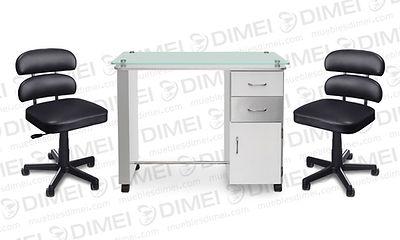 Juego de manicure alfil, cuenta con una mesa con superficie de cristal, 2 cajones y 1 puerta lateral, inlcuye 2 sillas de manicure neumaticas alfil
