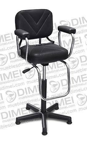 Silla infantil estelar con brazos de plastico y lineas triangulares en las costuras de asiento y respaldo