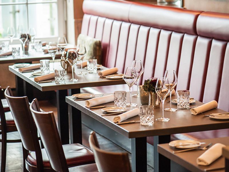 Restaurant Tisch.jpg